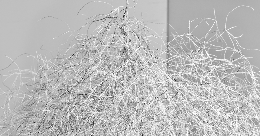 ‹Threadknotting›,2012, 40x40x120 cm, thread leftovers, knotting, detail.